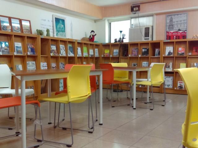 鑄造科圖書室